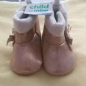 💋 NWT Child of mine newborn fur boots